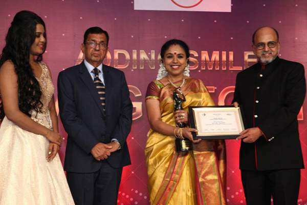 Adding Smiles Foundation's Living Legend Award 2017 was given to Sudha Ragunathan