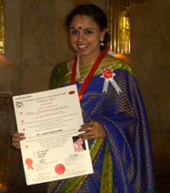 "Sudha Ragunathan was conferred The ""Rajiv Gandhi Moopanar Award"" along with nine others, for eminence in the field of music, in Chennai. Union Minister of State for Statistics Sri.G K Vasan conferred the awards. Cardiologist Dr. Cherian, Actor Ms. Manorama, Poet Sri. Pa Vijay, Educationist & Madras Christian College Principal Ms.Annamma Philip, Mridangam Maestro Sri. K.Sivaraman, Orator Ms.Bharathi Baskar, Film Director Sri. Rajkiran, Educationist & Hindustan Aeronautical College Principal Varghese and Social Worker and Woman Leader Ms.S. Fathima Muzaffer were other recipients of the Award."